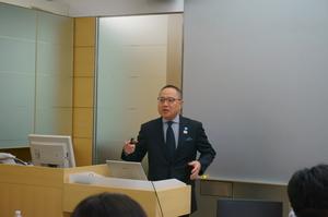 写真②玉井講師.JPG