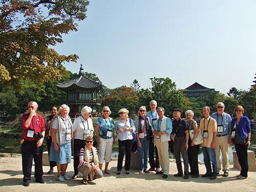 各国からのスコールメンバーと朝鮮王朝時代の王宮・景福宮と歴史博物館を訪ねて